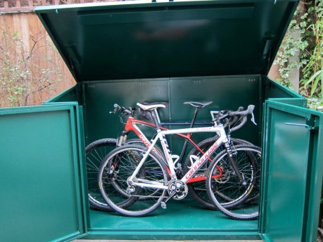 There's still space with 3 bikes